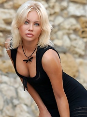 Zemani.com Jessika - Super beautiful blond in black dress poses for fashion at first, but then she takes off her dress and shows her perfect young bod